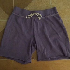 GIRL'S OLD NAVY SHORTS.